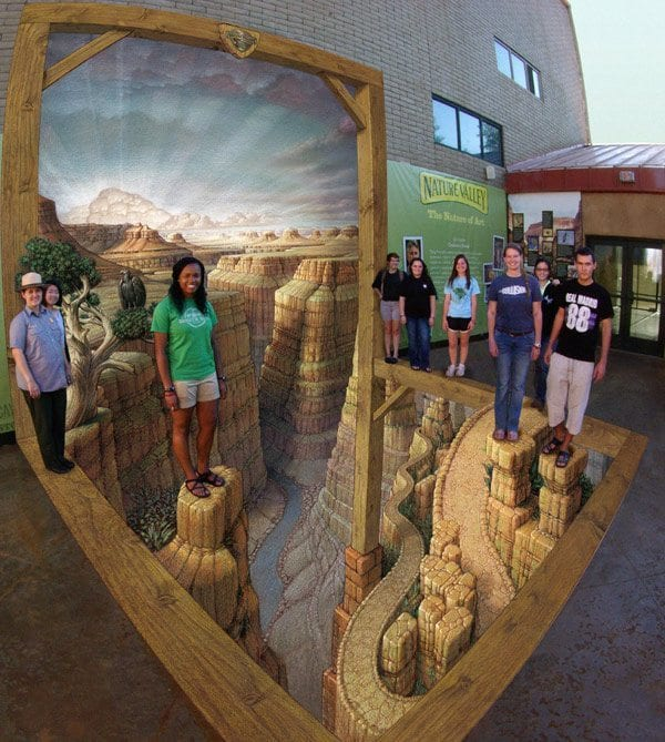 Grand Canyon Kurt Wenner 3D Pavement Art